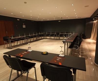 Sala de reunión Hotel Conqueridor